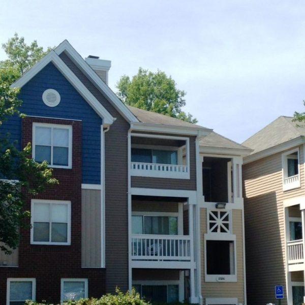 Belmont Park Apartments: Christian Siding